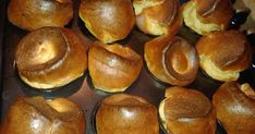 Egyik este rádöbbentünk, hogy elfogyott a kenyér, én meg emlékeztem erre a receptre egy könyvből (Zöldcitromos pite és gyilkosság). Megmente... Pretzel Bites, Doughnut, Bread, Desserts, Food, Tailgate Desserts, Deserts, Brot, Essen