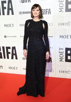 Marion Cotillard en robe Christian Dior automne-hiver 2014-2015 à la cérémonie des British Independent Film Awards http://www.vogue.fr/mode/inspirations/diaporama/les-meilleurs-looks-de-la-semaine-dcembre-2015/24195#marion-cotillard-en-robe-christian-dior-automne-hiver-2014-2015-la-crmonie-des-british-independent-film-awards
