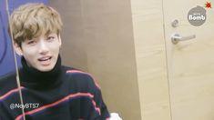 Annyeonghaseyo jeoneun Bangtan Sonyeondan hwanggeum maknae Jeon Jungkook iminda - Un clásico uwu por qué le amo tanto Jungkook Oppa, Bts Bangtan Boy, Namjoon, Bts Aegyo, Jungkook Funny, Jung Kook, K Pop, Foto Bts, Jikook