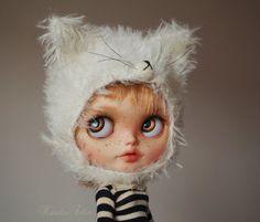 Caramel Cupcake - custom Blythe doll - ooak Blythe art doll by KarolinFelix on Etsy, 950,00 €