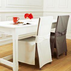 differents coloris au choix pour cette belle housse de chaise qui rehausse la deco de la salle a manger et habille vos chaises avec elegance