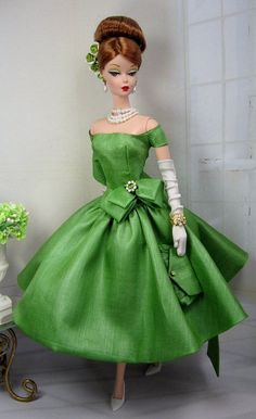 Want this for my Barbie! Love, love, love the color! Eden for Silkstone Barbie and Victoire Roux by MatisseFashions
