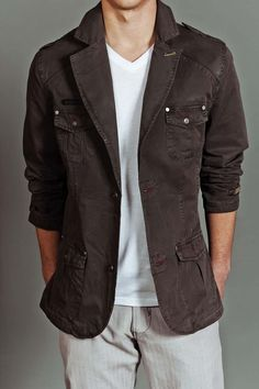 Starfleet Blazer Dark Grey>> He probably wouldn't wear this, but I want it for Shea. Reminds me of something Dean Winchester would wear. ;D
