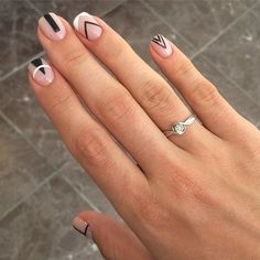 Simple Nail Art Designs That You Can Do Yourself – Your Beautiful Nails Alien Nails, Do It Yourself Nails, Minimalist Nails, Trendy Nail Art, Super Nails, Nail Decorations, Gorgeous Nails, White Nails, Black And White Nail Art