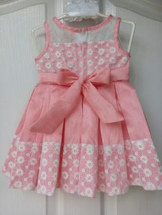 46 Trendy Embroidery Baby Clothes Little Girls Little Girl Outfits, Little Girl Dresses, Kids Outfits, Kids Dress Wear, Girls Party Dress, Kids Frocks, Frocks For Girls, Baby Girl Christmas Dresses, Kids Ethnic Wear