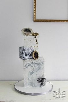 Wedding cakes - Wonderful cake information. Hungry for additional superb suggestions, check out the image link right now. Creative Wedding Cakes, Black Wedding Cakes, Wedding Cakes With Flowers, Beautiful Wedding Cakes, Wedding Cake Designs, Beautiful Cakes, Bolo Geode, Geode Cake, Formation Patisserie