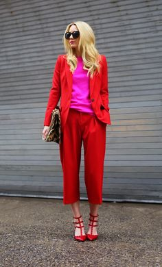 Inspiring Pantsuits: Modern Power Dressing for Women Mode Outfits, Fashion Outfits, Womens Fashion, Fashion Trends, Fashion Scarves, Fashion Fashion, Blair Eadie, Look Blazer, Red Pants