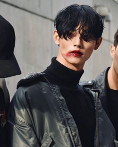 Park Taemin at Seoul Fashion Week S/S 2017 tbh i just think the mental image of julian wearing red lipstick is a good one