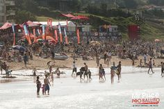 Mr Price Pro Ballito 2012 - Day 6 and the beach is packed. © Kelly Cestari / Mr Price.