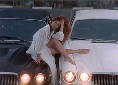 Tawny Kitaen oh the jags in this vid