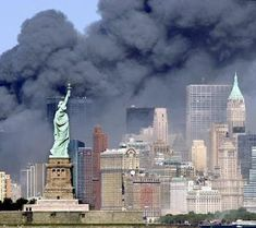 Assault / World Trade Center New York World Trade Center, Trade Centre, We Will Never Forget, Lest We Forget, Don't Forget, 11 September 2001, Moslem, Jolie Photo, To Infinity And Beyond