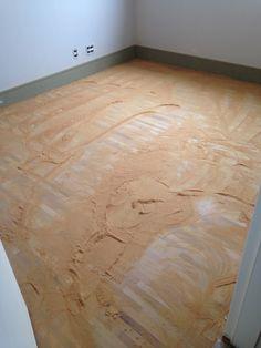 Durante raspagem do piso dos quartos... Muito pó! Taco de madeira grápia da empresa Paupau