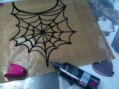 Quick & easy spiderweb necklace made with Tulip 3-D Slick paint.
