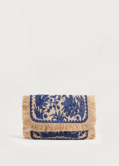 Jute flowers clutch - Plus sizes Jute Flowers, Soft Leather Handbags, Floral Clutches, Embroidery Bags, Handbag Organization, Macrame Bag, Boho Bags, Jute Bags, Beautiful Bags