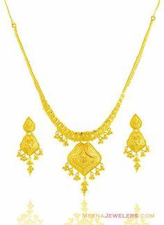 22k Gold Filigree Necklace Gold Jewellery, Diamond Jewelry, Jewlery, Gold Designs, Gold Ornaments, Gold Necklaces, Gold Filigree, Simple Necklace, Jewelry Patterns