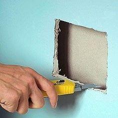 Découper au cutter une plaque de plaque trouée
