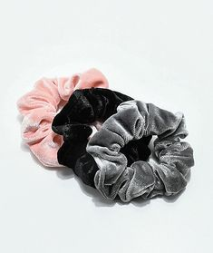 For a retro-inspired style, look no further than the Stone + Locket Grey, Light Pink & Black 3 Pack of Velvet Hair Scrunchies. Hair Accessories For Women, Fashion Accessories, Fall Accessories, Accessoires Iphone, Velvet Scrunchie, Dolce E Gabbana, Velvet Hair, Twist Headband, Outfit Trends