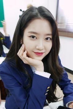 [오마이걸]은 '오늘도 미라클' ♥ VCR촬영 중! : 네이버 포스트 Jiho Oh My Girl, Girls Channel, Arin Oh My Girl, Kpop Girl Bands, Girls Twitter, Girl Korea, Girls Season, Girls Uniforms, Cute Asian Girls