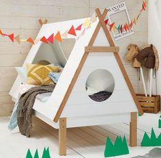 Amazing wooden teepee bed! #estella #kids #decor