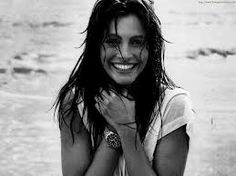 Julia Roberts by Herb Ritts Julia Roberts, Santorini Greece Vacation, Greece Travel, Madonna, Greece Outfit, Smile Pictures, Wall Pictures, Herb Ritts, Summer Outfits Men