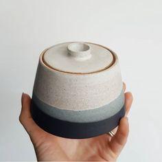 ceramic bowls A cute little commissioned sugar bowl that was sent off last week. Ceramic Clay, Ceramic Bowls, Ceramic Pottery, Pottery Art, Stoneware, Pottery Bowls, Earthenware, Keramik Design, Tadelakt