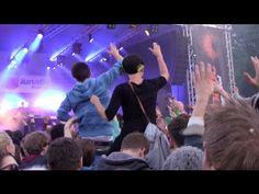 Das Lunatic Festival wird von Studenten im Rahmen ihres Studiums organisiert. Der gemeinnützige lunatic e.V. veranstaltet das lunatic Festival seit 2004 jährlich und ist bestrebt Lüneburgs Kulturlandschaft stets mit einer anspruchsvollen Vielfalt an regionalen und internationalen Künstlern zu bereichern.
