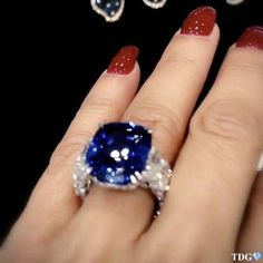 I have always adored the combination of Sapphires and Diamonds, so this spectacular beauty designed by quite frankly has… Amethyst Jewelry, Gemstone Jewelry, Jewellery Rings, Jewelry Bracelets, Jewelry Model, Fine Jewelry, Bride Accessories, Jewelry Stores, Sapphire