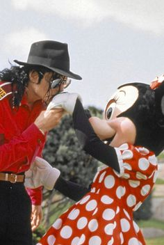♥ ♥ ♥ ♥ mj & minnie aww that's just too cute <3