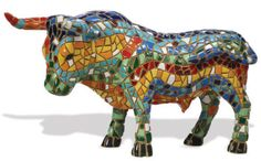 """Barcino Design stier.  Barcino Design haalt zijn inspiratie uit de Spaanse mozaiek techniek van """"Trencadis"""". Trencadis is de techniek gebruikt door de wereldberoemde Catalaanse architect """"Antonio Gaudí Cornet"""" (1852-1926)."""