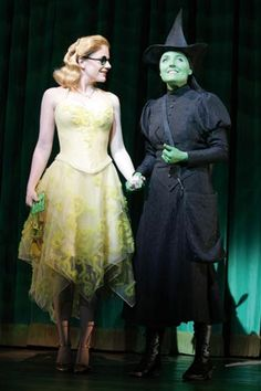 Helen Dallimore (Glinda) and Kerry Ellis (Elphaba) in the West End production.