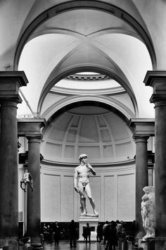 Statue of David, Michelangelo in Florence, Italy Italian Renaissance, Renaissance Art, Sculpture Romaine, Art Et Architecture, Italian Sculptors, Museum, Art Sculpture, Miguel Angel, Klimt