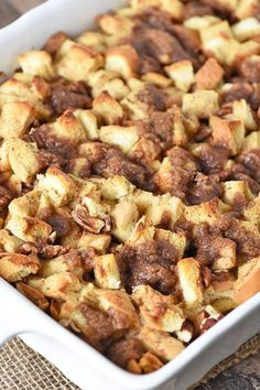 to make a deliciously easy French toast casserole, a make ahead recipe that's perfect for a crowd and makes a quick breakfast on busy mornings. French Toast Casserole, Breakfast Casserole, Rice Casserole, Brunch Recipes, Breakfast Recipes, Breakfast Ideas, Breakfast Sandwiches, Picnic Sandwiches, Brunch Ideas