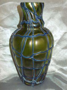 ANTIQUE CZECH ART NOUVEAU JUGENDSTIL PALLME KONIG GREEN IRIDESCENT GLASS VASE