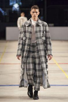 Sarah Effenberger BERLIN fashion week. Co-ord tartern and monochrome.