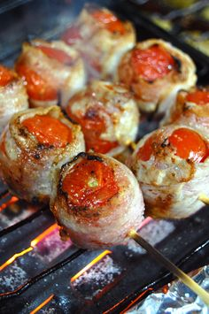 Japanese Food Kushiyaki, BBQ Skewers: Grilled Cherry Tomatoes wrapped with Thinly-sliced Pork Meat|トマトの串焼き