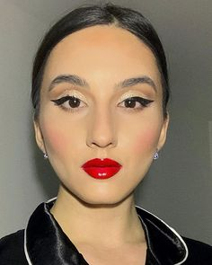 """Denisa Stanciu • M U A • (@beautyshellmua) posted on Instagram: """"Makeup Trio: Sharp liner, sparkle on the lids and red lips 🍷✨ What do you think about this look? PS The earrings are handmade porcelain 🦋…"""" • Apr 26, 2020 at 7:26pm UTC Instagram Makeup, Colorful Makeup, Smokey Eye, Bridal Makeup, Red Lips, Thinking Of You, Eyeliner, Porcelain, Sparkle"""