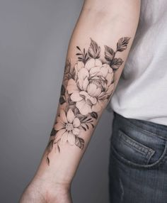 Rose fore arm tattoo - Rose fore arm tattoo You are in the right place about Rose fore arm tattoo Tattoo Design And Style - Bild Tattoos, Body Art Tattoos, New Tattoos, Sleeve Tattoos, Cool Tattoos, Tatoos, Arm Tattos, Piercing Tattoo, I Tattoo