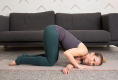 4. Thread-the-Needle Stretch #flexibility #stretches http://greatist.com/move/stretching-exercises-how-to-test-your-flexibility