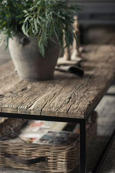 Home Decor For Small Spaces .Home Decor For Small Spaces Cheap Office Decor, Cheap Bedroom Decor, Cheap Home Decor, Reclaimed Wood Coffee Table, Rustic Coffee Tables, Luxury Homes Interior, Home Interior, Rustic Room, Gothic Home Decor