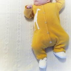 Lillegullet i deilig mangogul ullheldrakt💛 En skikkelig glad farge😁 .  .  .  .  #sømibruk #ull #ullergull  #syselv #sysysy #sewing #sew4baby #sygal #syglede #sydetselv #sydilla #sewinglove #instasew #gulterkult #sjiraff #elskeråsy #myllymuksut #sytilbørn #sytid #sytilbaby  #sytilbarna Belly Button Rings, Fabrics, Fashion, Tejidos, Moda, Fashion Styles, Belly Rings, Cloths, Fashion Illustrations
