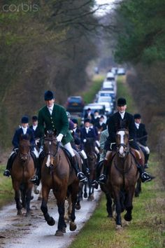 Members of the Heythrop Hunt at a meet in Swinbrook, The Cotswolds, Oxfordshire Country Life, Country Estate, Cross Country, Country Living, Equestrian Style, Equestrian Outfits, English Riding, Fox Hunting, Horse Farms