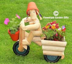 Our Flowerpot Men garden ornament characters are handcrafted by Flower Pot Garden Gifts of Kent. Garden Crafts, Garden Projects, Diy Wood Projects, Woodworking Projects, Landscape Timber Crafts, Landscape Timbers, Wooden Garden Ornaments, Wooden Planters, Yard Art