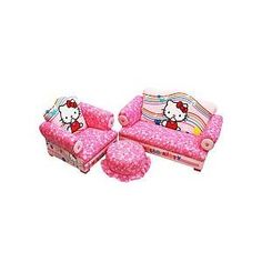 I would love to get this for Emmerie when she finally gets her own room...Hello Kitty 3-Piece Toddler Set...