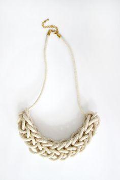 Mini maglia collana corda cotone naturale di HearsayDesigns