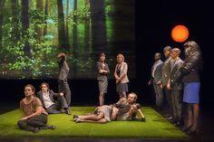 Het Waalse theatergezelschap Nimis Groupe maakte een theater over en door vluchtelingen. Een mooi initiatief wat toch de aandacht heeft getrokken van velen.