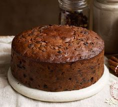 Buttered rum Christmas cake - - Mix dried fruit, nuts, cranberries and maple syrup on Stir-up Sunday for this crowd-pleasing Christmas cake that improves as it keeps. Christmas Cooking, Christmas Desserts, Christmas Cakes, Christmas Chocolate, Xmas Cakes, Chocolate Art, Christmas Pudding, Holiday Cakes, Christmas Recipes