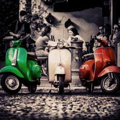 Vespa and Lambretta Lambretta Scooter, Vespa Scooters, Vespa Girl, Scooter Girl, Motos Vespa, Classic Vespa, Italian Scooter, Retro, Splash Photography