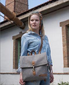 Lucas Tiny Backpack, ένα χειροποίητο σακίδιο πλάτης με πολυεστερικό καμβά υψηλής αντοχής και οικολογικό ανακυκλωμένο δέρμα. Handmade Bags, Backpacks, Grey, Gray, Handmade Handbags, Backpack, Homemade Bags, Backpacker, Backpacking