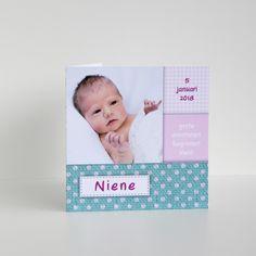 Een lief en vrolijk geboortekaartje in roze en mint kleur