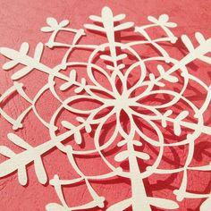ガーランド用の切り絵(雪の結晶)|コトコト切り絵中